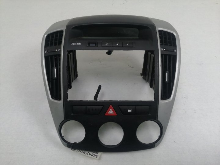 Центральная консоль Kia Ceed ED 1.6 TD D4FB 2009