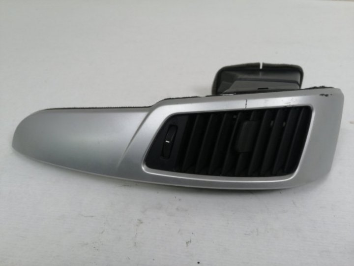 Дефлектор печки Kia Venga 1.4 I G4FA 2010 передний левый