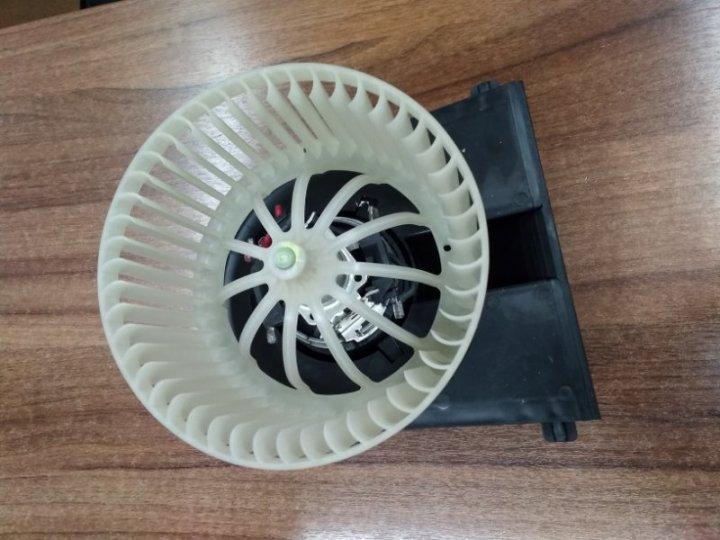 Моторчик вентилятор печки гольф 4 Volkswagen