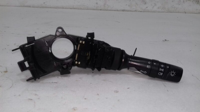 Подрулевой переключатель поворотников Kia Ceed 1.6 I 126 Л.С. G4FC 2009