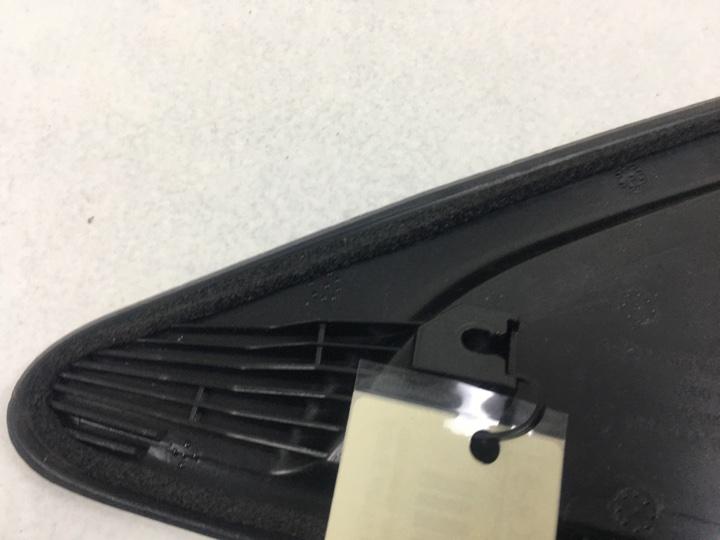 Треугольник пластик в заднее крыло Chevrolet Cruze 1.6 I 124 Л.С. LXV 2009 задний левый