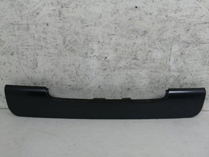 Накладка крышки багажника Hyundai Terracan 2.9 TD J3 2005