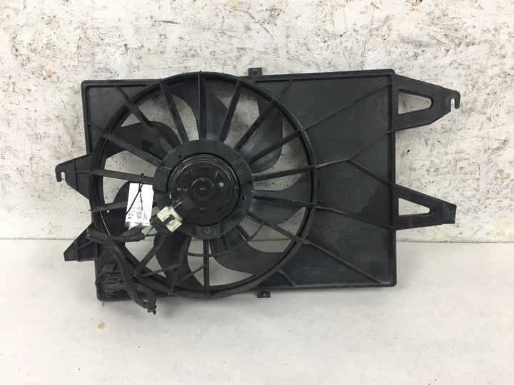 Диффузор с вентилятором Ford Mondeo 3 B5Y 2.0 I 145 Л.С. CJBA 2006