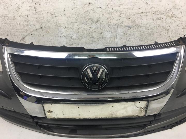 Решетка радиатора Volkswagen Touran 1.6 БЕНЗИН BSE 2007