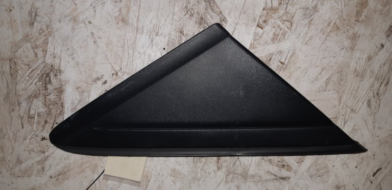 Внешняя накладка крыла Ford Kuga 2 2.0 ДИЗЕЛЬ 2015 правая