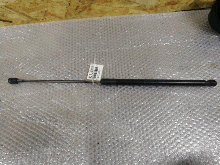 Амортизатор крышки багажника Ford Focus 3 1.6 БЕНЗИН 2013