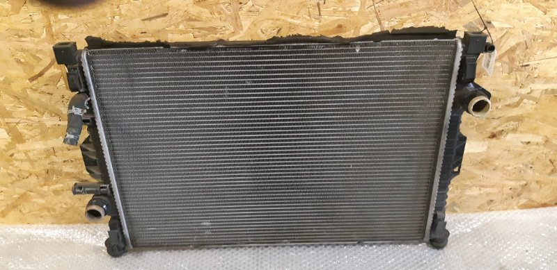 Радиатор охлаждения (основной ) Ford Mondeo 4 2.0 БЕНЗИН 2010