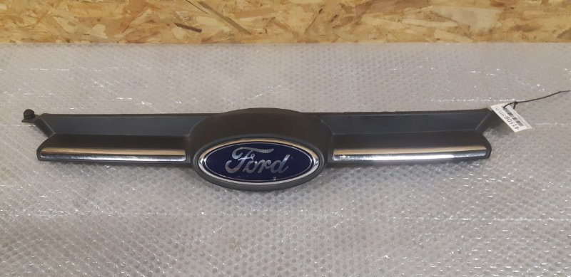 Решетка радиатора Ford Focus 3 1.6 БЕНЗИН 2014