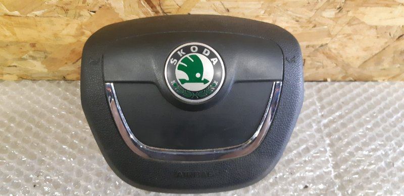 Подушка srs ( airbag ) в руль Skoda Octavia 1.4 БЕНЗИН 2010