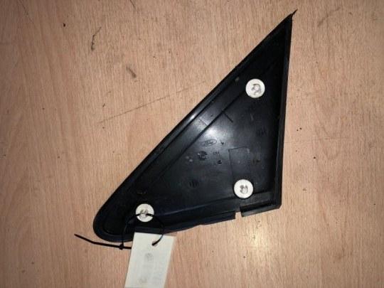 Уголок на крыло Ford Focus 2 УНИВЕРСАЛ 1.8 TD KKDA 2007 передний правый