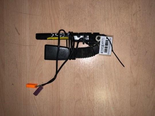 Преднатяжитель ремня безопасности Ford Focus 2 УНИВЕРСАЛ 1.8 TD KKDA 2007 передний правый