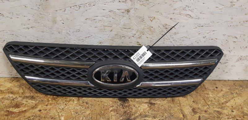 Решетка радиатора Kia Ceed 1.6TD 2008 г.в передняя