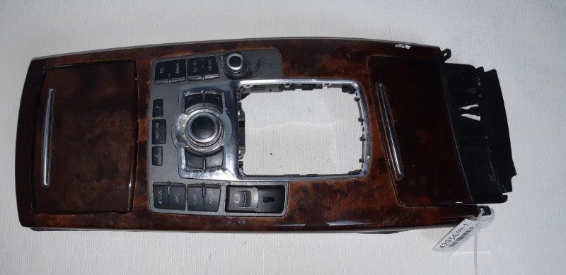 Консоль нижняя с управлением магнитолы Audi A6 2.4 БЕНЗИН 2004 передний левый