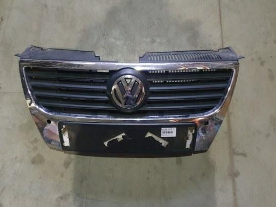 Решетка радиатора Volkswagen Passat B6 2.0 TD 2006