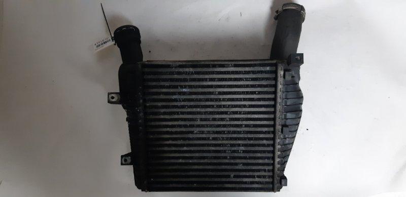 Радиатор интеркулера Audi Q7 3.0 TD 2007 левый