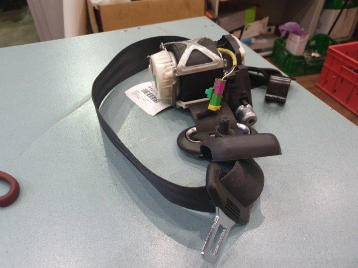 Ремень безопасности Skoda Fabia 1.2 TI 2010 передний левый