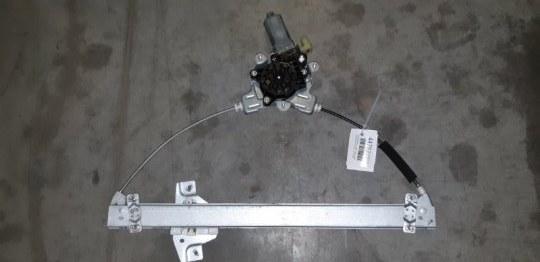 Стеклоподъемник двери Hyundai Getz TB 1.4 I G4EE 2008 передний правый
