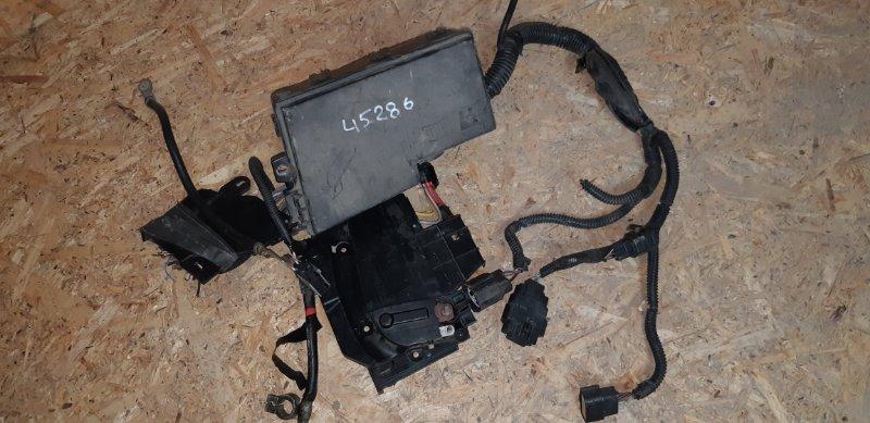 Блок предохранителей под капотом Ford Focus 3 1.6 БЕНЗИН 2011