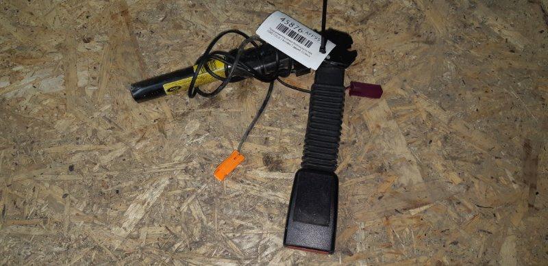 Преднатяжитель ремня безопасности Ford Focus 2 ХЭТЧБЕК 5 ДВЕРЕЙ 2.0 БЕНЗИН 2006 передний левый