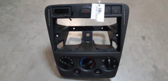 Блок управления печкой Ford Fusion CBK 1.4 БЕНЗИН 2008