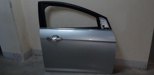 Дверь Ford Focus 3 ХЭТЧБЕК 5 ДВЕРЕЙ 1.6 БЕНЗИН 2011 передняя правая