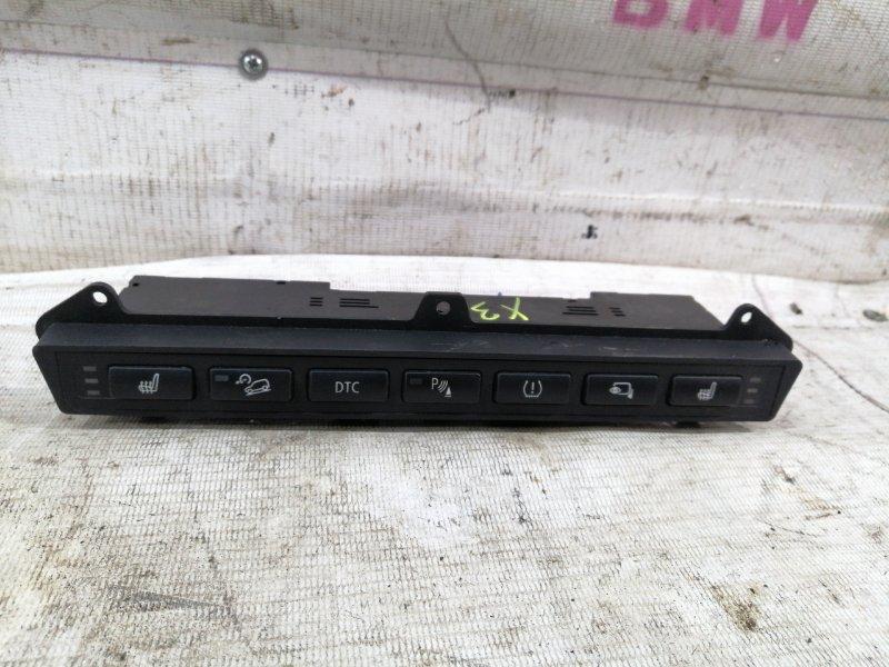 Блок переключателей в центр. консоли Bmw X3 E83 N52B25A 2006 (б/у)