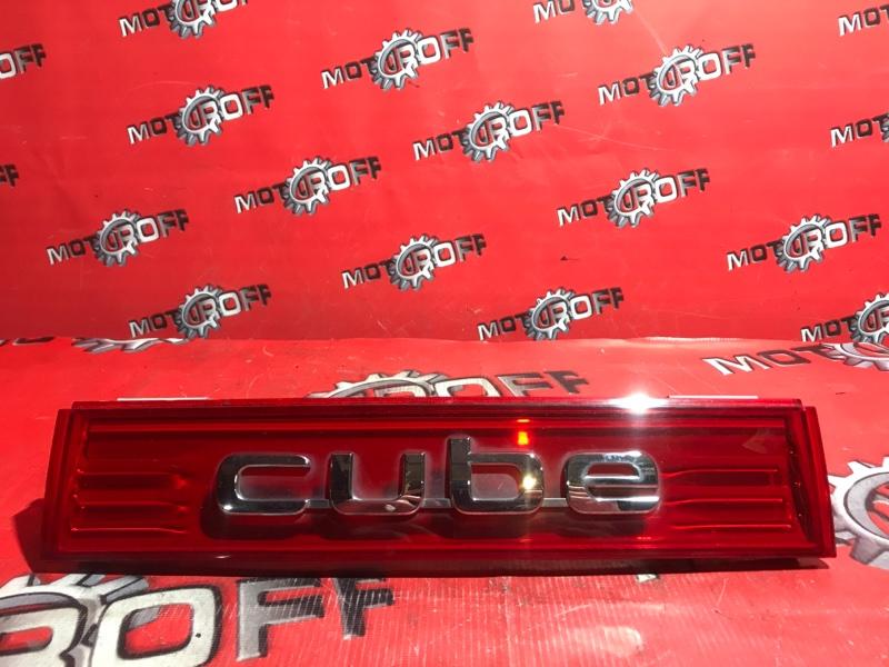 Фонарь (вставка багажника) Nissan Cube Z12 HR15DE 2008 (б/у)