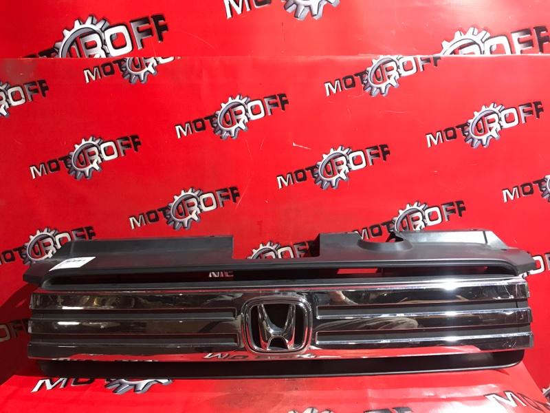 Решетка радиатора Honda Mobilio Spike GK1 L13A 2004 (б/у)