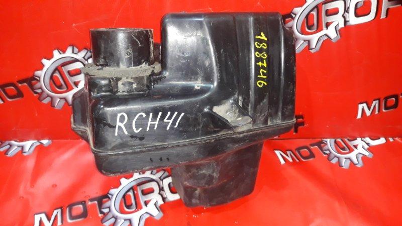 Резонатор воздушного фильтра Toyota Hiace Regius RCH41 3RZ-FE 1997 (б/у)