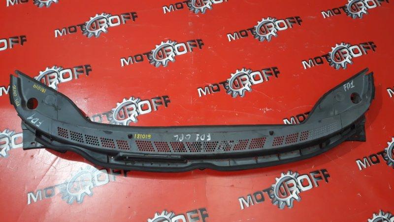 Решетка под лобовое стекло Honda Civic FD1 R18A 2005 (б/у)