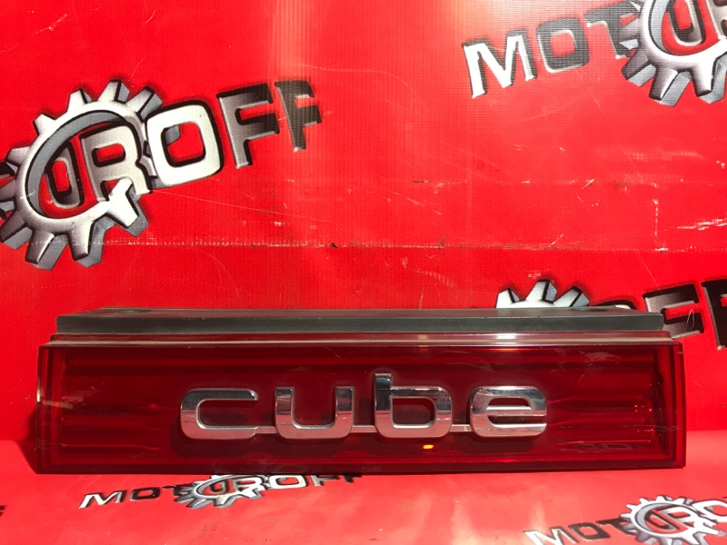 Фонарь (вставка багажника) Nissan Cube Z12 HR15DE 2008 задний (б/у)