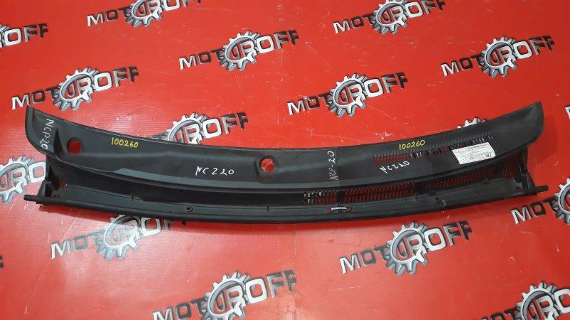 Решетка под лобовое стекло Toyota Raum NCZ20 1NZ-FE 2003 (б/у)