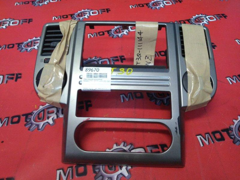 Рамка (консоль магнитофона) Nissan X-Trail NT30 QR20DE 2000 (б/у)