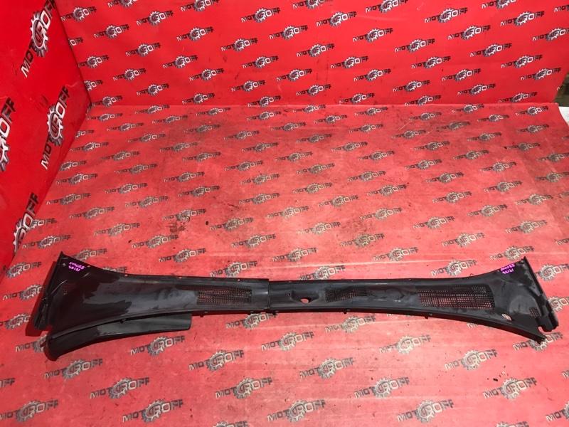 Решетка под лобовое стекло Toyota Crown GS131 1G-FE 1987 (б/у)