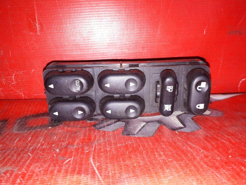 Блок управления стеклоподъемниками Mazda Tribute EP3W L3-DE 2000 передний правый (б/у)