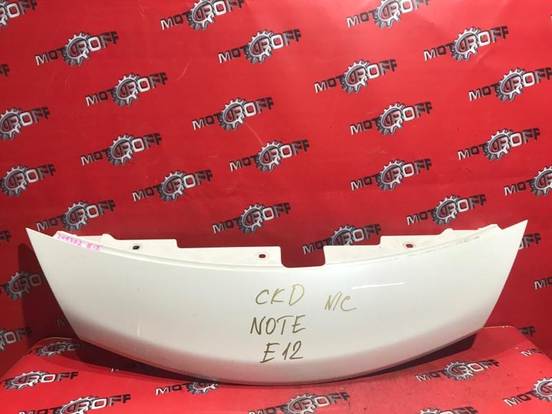 Решетка радиатора Nissan Note E12 HR12DE 2012 верхняя (б/у)