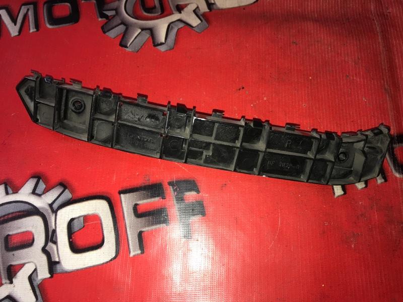 Клипса бампера Honda Freed GP3 LEA 2011 задняя правая (б/у)