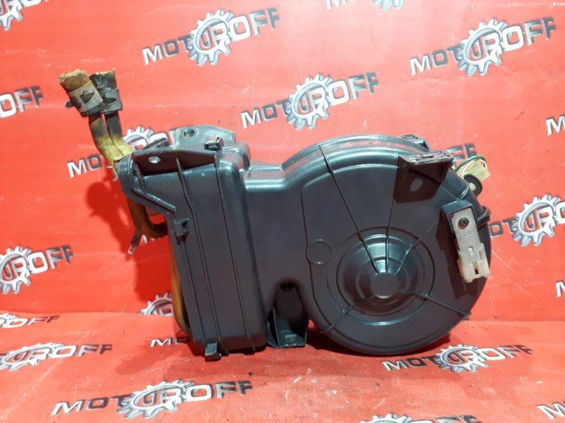 Вентилятор (мотор отопителя) Toyota Hilux Surf LN130G 2L-TE 1989 задний (б/у)