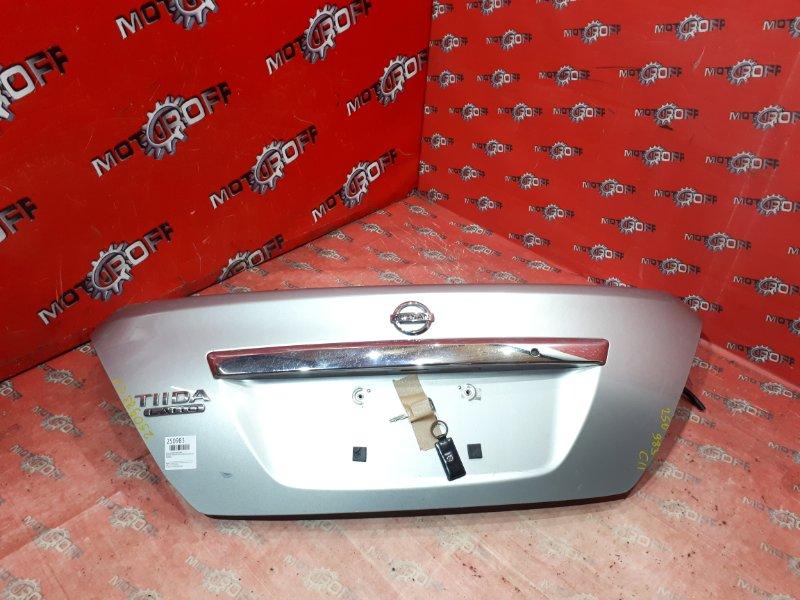 Крышка багажника Nissan Tiida Latio C11 HR15DE 2004 задняя (б/у)