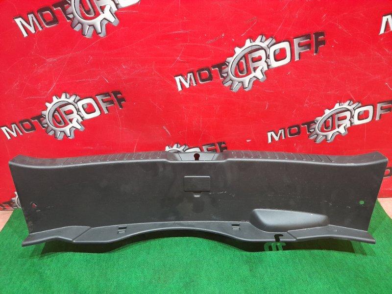 Накладка багажника Mazda Axela BL5FW ZY-VE 2009 задняя (б/у)