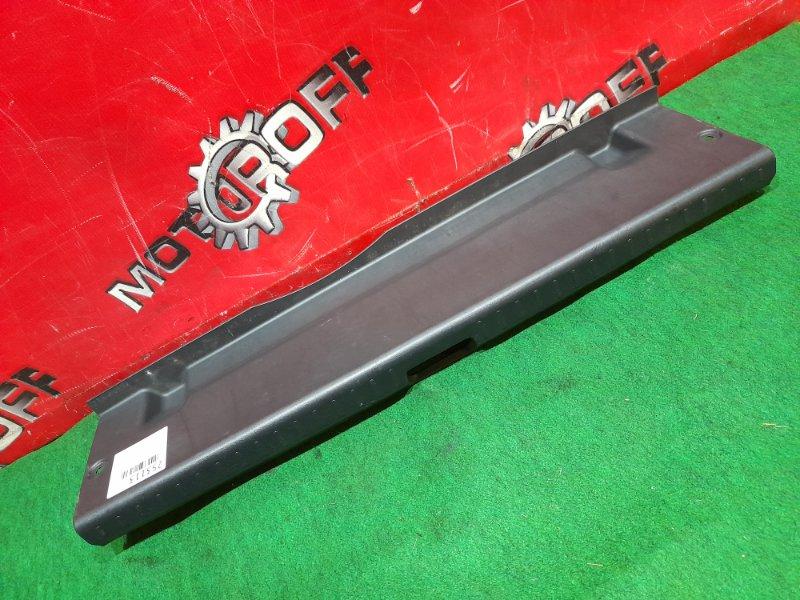 Накладка багажника Toyota Allion ZZT240 1ZZ-FE 2001 задняя (б/у)
