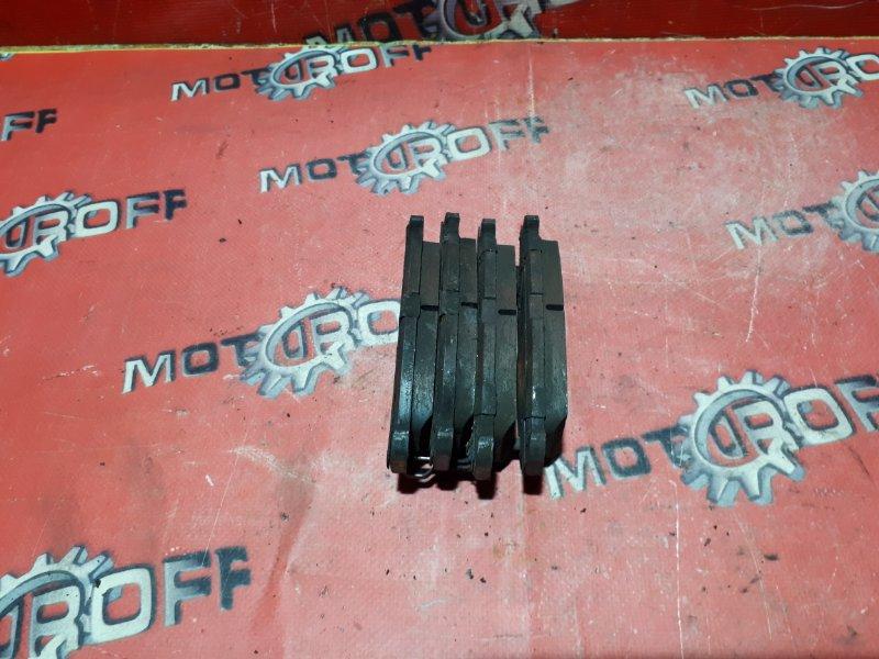 Колодки тормозные Toyota Passo KGC30 1KR-FE 2010 передние (б/у)