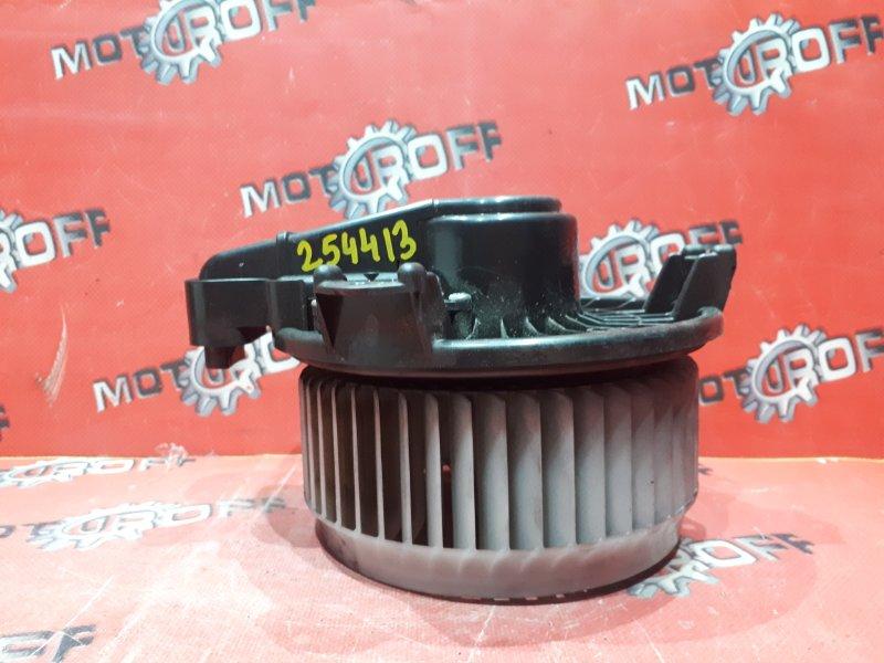 Вентилятор (мотор отопителя) Toyota Voxy ZRR70G 3ZR-FE 2007 (б/у)