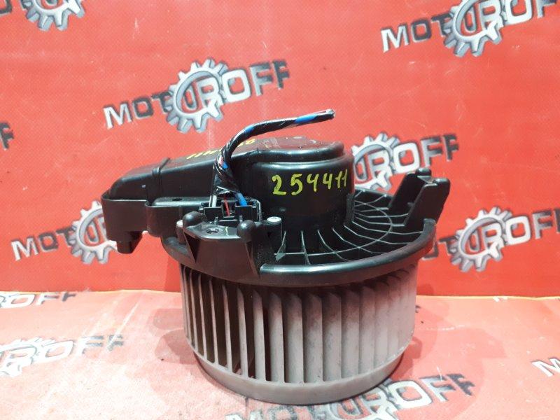 Вентилятор (мотор отопителя) Toyota Auris NZE151H 1NZ-FE 2006 (б/у)