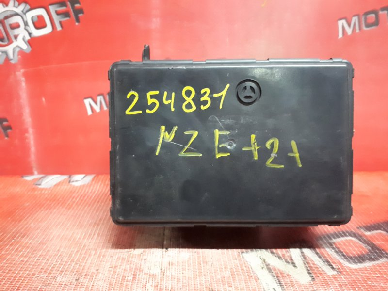 Блок abs (модулятор abs) Toyota Corolla NZE121 1NZ-FE `2000 (б/у)