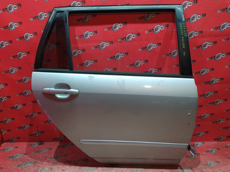 Дверь боковая Toyota Corolla Fielder NZE121G 1NZ-FE 2000 задняя правая (б/у)
