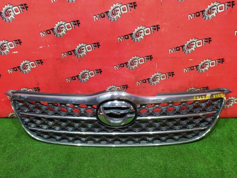 Решетка радиатора Toyota Corolla NZE121 1NZ-FE 2000 (б/у)