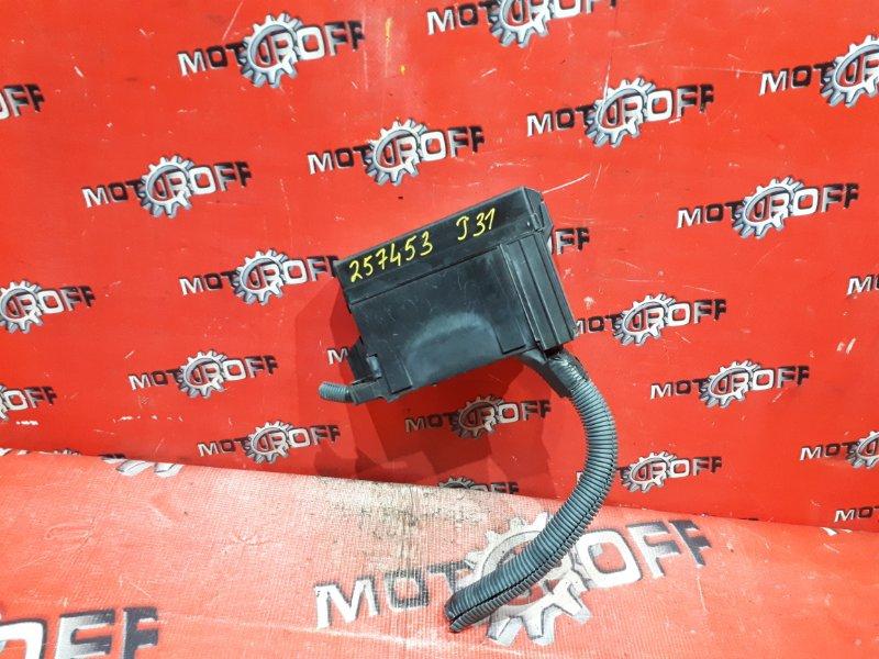 Блок реле и предохранителей Nissan Teana J31 VQ23DE 2003 (б/у)