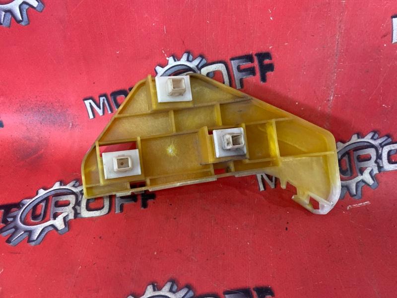 Клипса бампера Honda Cr-V RD5 K20A 2001 передняя правая (б/у)
