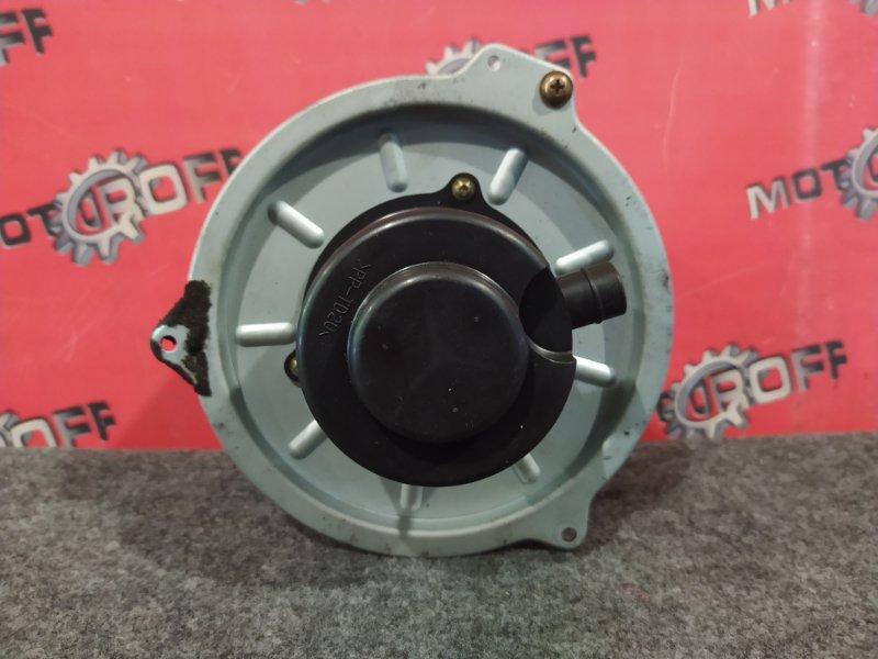Вентилятор (мотор отопителя) Mazda Familia S-Wagon BJFW FS-ZE 1998 (б/у)